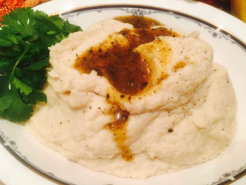 GARLICKY CAULIFLOWER MASHED POTATOES